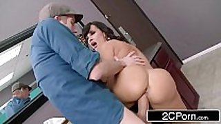 Club cougar lisa ann steals the knob in the wom...
