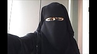 My love tunnel in niqab